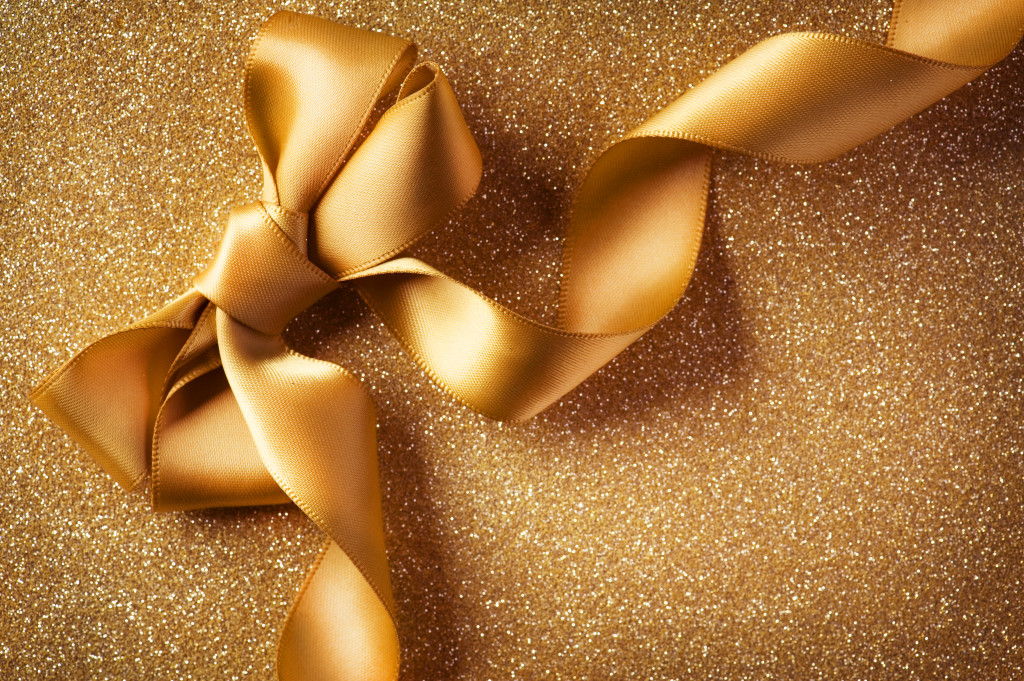 Picture of gold bow
